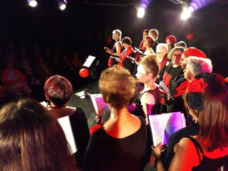 l'ut en chœur sur scène